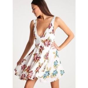 ab89765a4dbc Free People Dresses - • nwt free people white floral dress large •